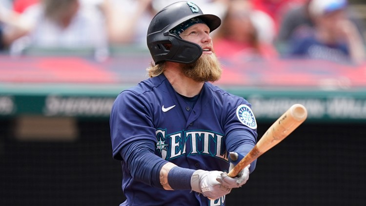 Fill-in Fraley homers off Bieber; Mariners beat Indians 6-2