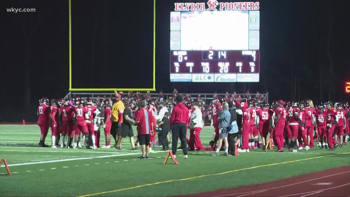 Elyria High School football team plays in honor of coach De'van Bogard in first game since his death