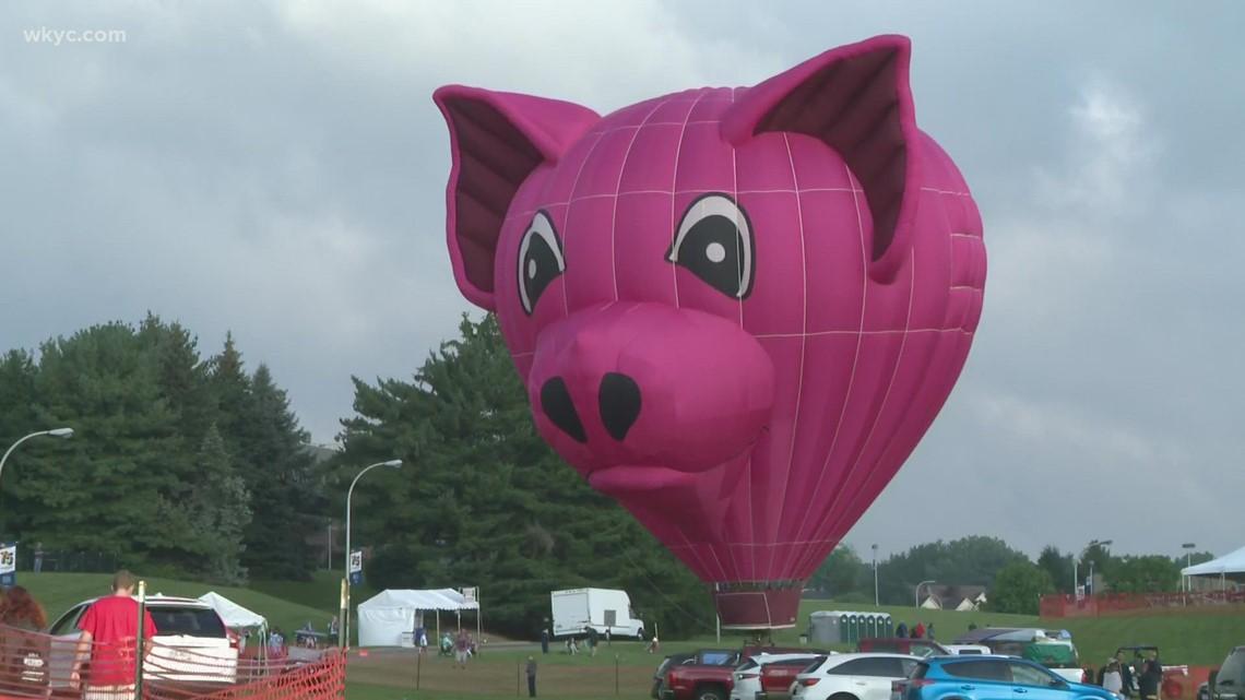Hot air balloons fill Canton sky as Pro Football Hall of Fame enshrinement festivities begin