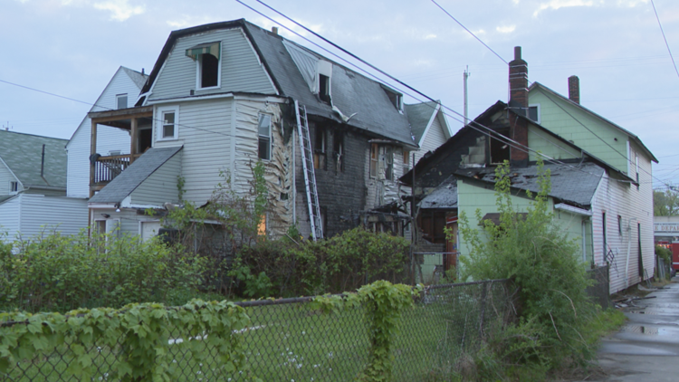 No injuries after 3 houses catch fire in Cleveland