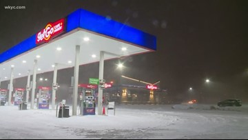 Snow falling in Lorain County as winds begin to pick up