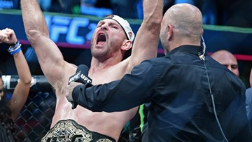 Stipe Miocic reclaims UFC heavyweight championship with fourth-round knockout of Daniel Cormier