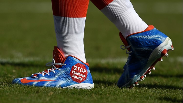 Larry Ogunjobi cleats Cleveland Browns-Los Angeles Chargers Football