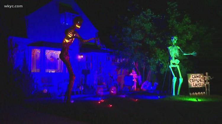 Creepy Halloween decorations haunt Brook Park home