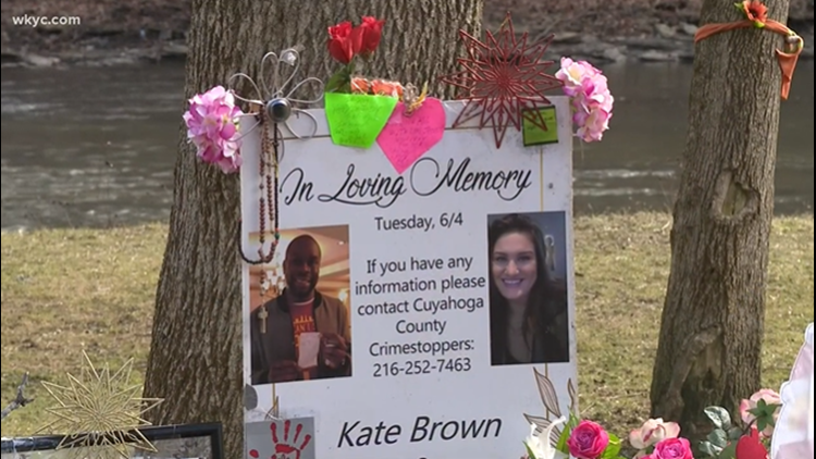 Family of Kate Brown, who was murdered in Rocky River Reservation with Carnell Sledge, frustrated by Metroparks' removal of signs asking for tips