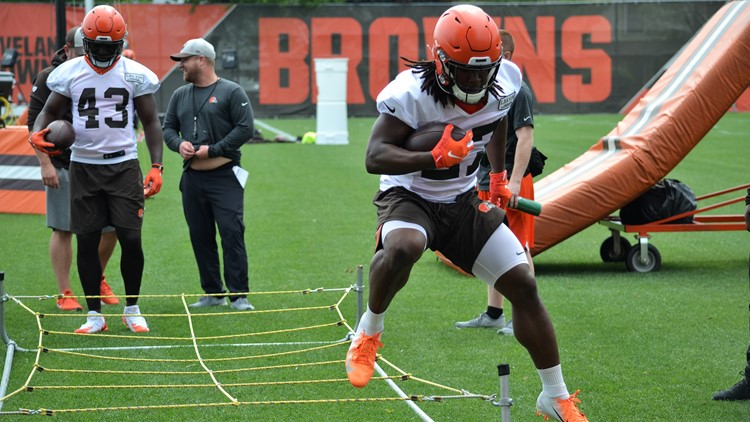 Cleveland Browns OTAs: Kareem Hunt 3