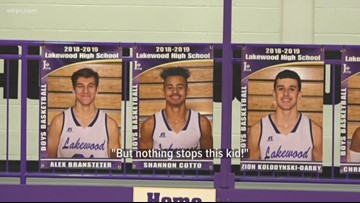 Lakewood basketball player is making a name for himself without saying a word