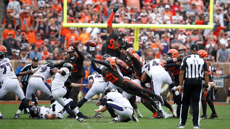 Cleveland Browns DB Denzel Ward blocks Baltimore Ravens FG attempt