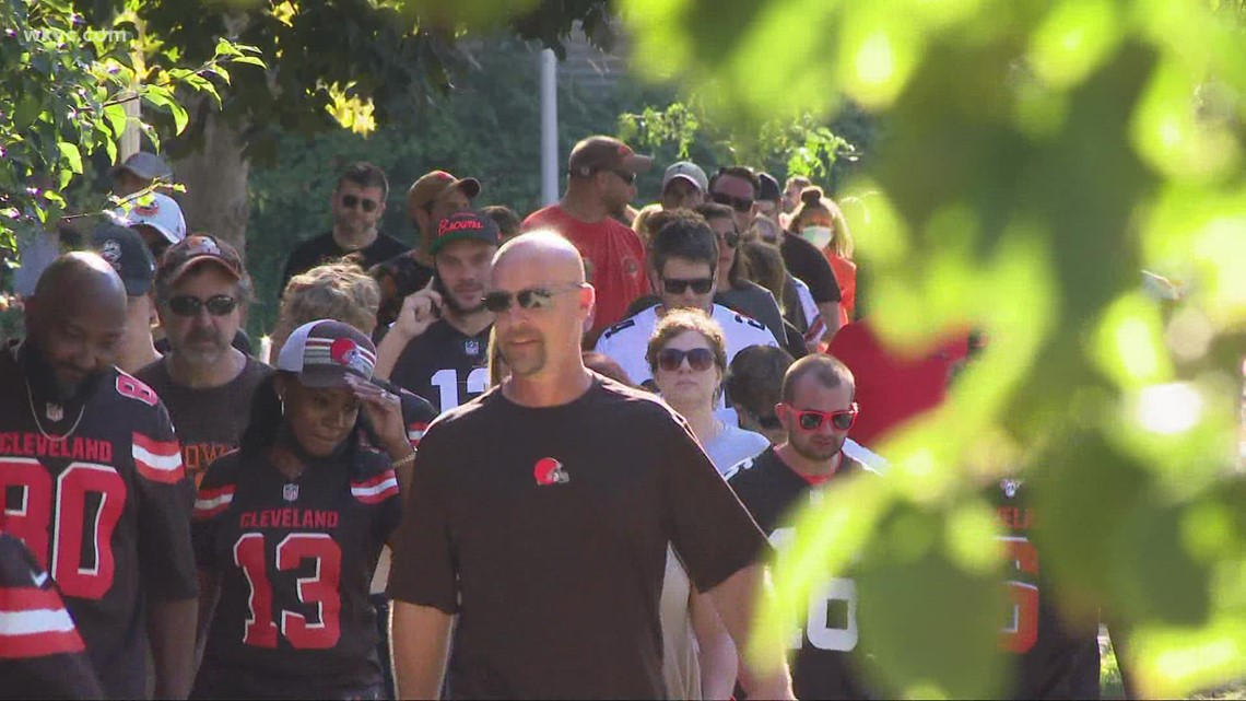 Downtown Cleveland buzzing after Browns win home opener