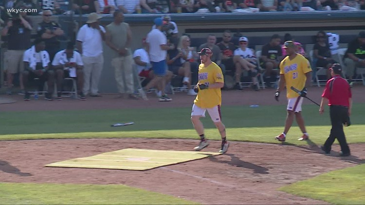 Cleveland Browns WR Jarvis Landry brings celebrity softball game back to Eastlake before frenzied crowd