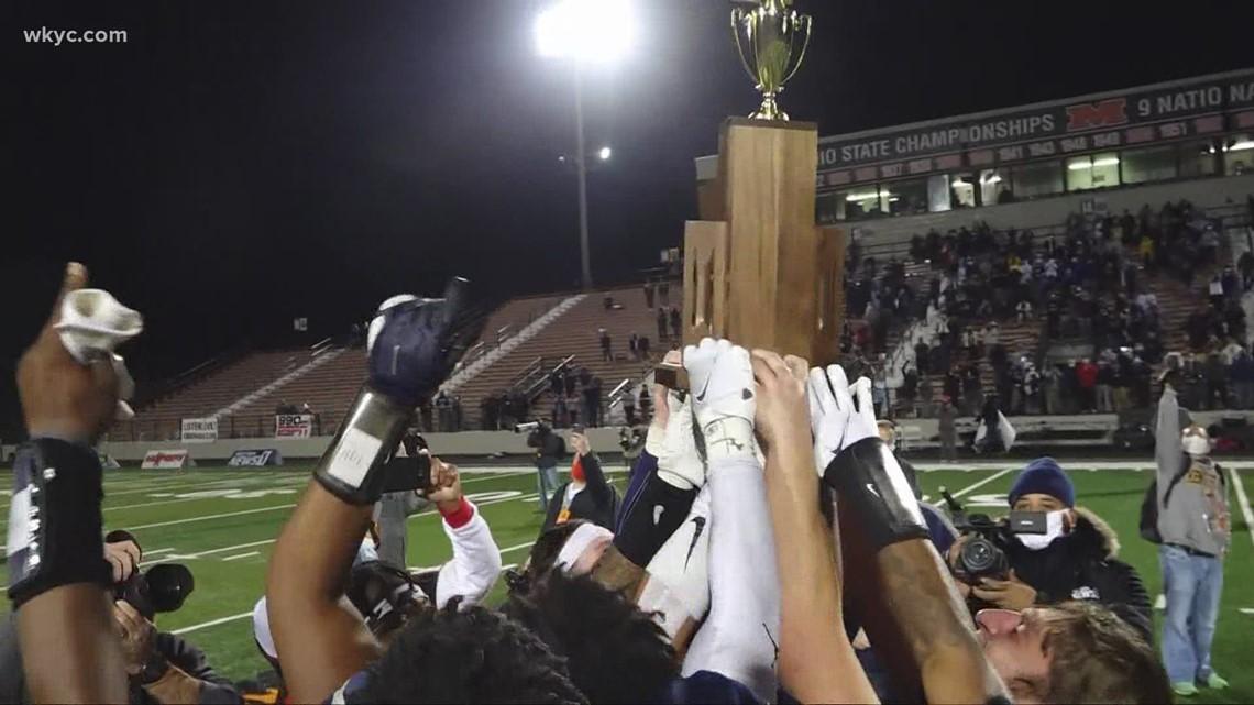 Archbishop Hoban beats Massillon Washington 35-6 for 5th state football championship in 6 years