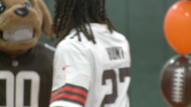 Cleveland Browns RB Kareem Hunt addresses Boys & Girls Clubs of Northeast Ohio