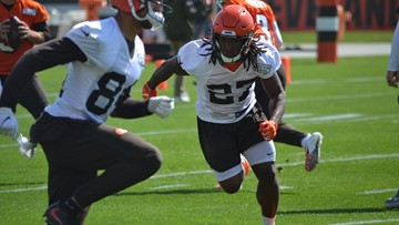 Browns RB Kareem Hunt hopes high-school students learn from his mistakes