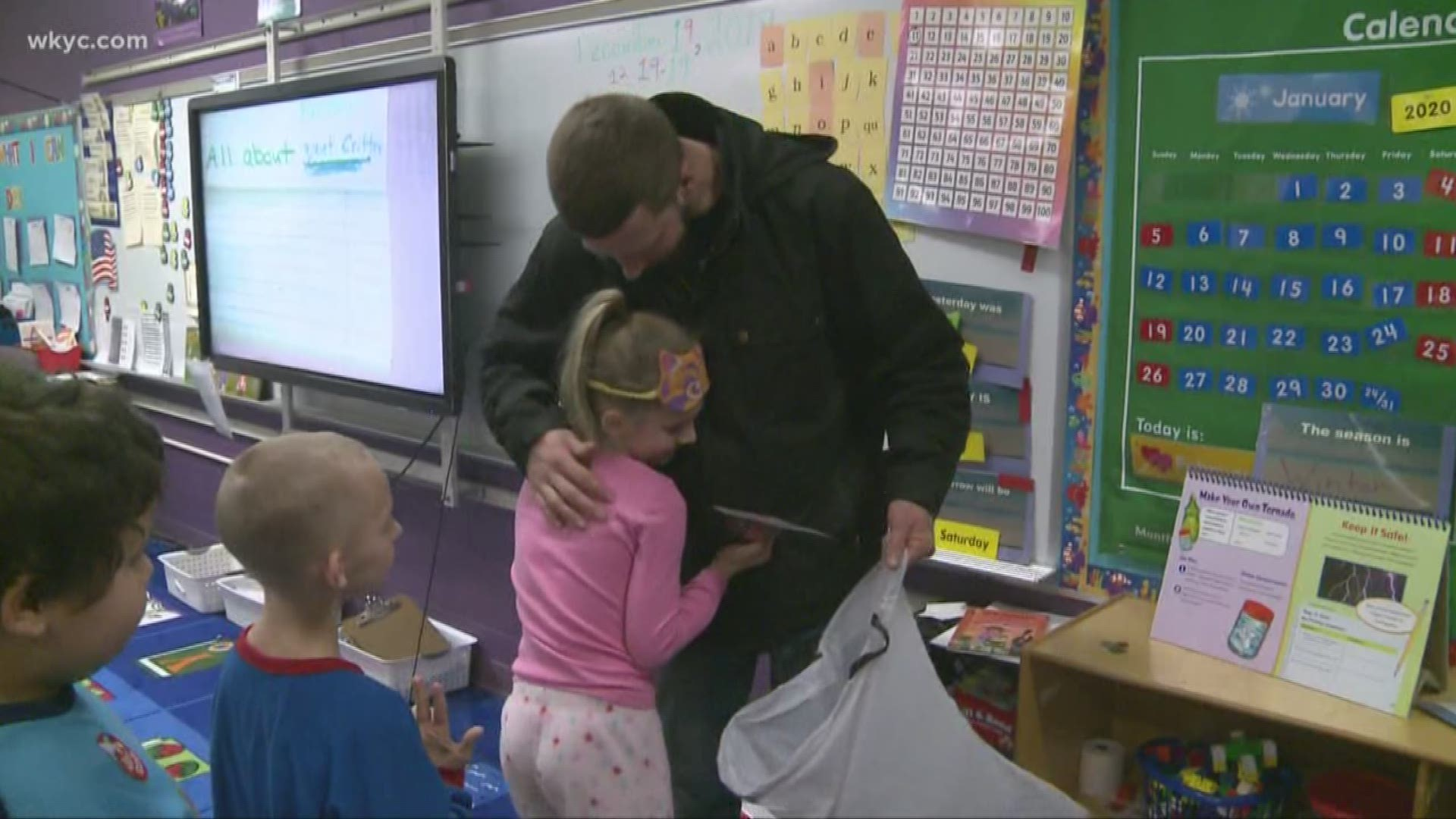 Weather For Christmas 2020 44012 Cleveland teacher makes sure every student gets Christmas gift