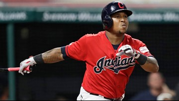 Cleveland Indians' José Ramírez takes 1st batting practice since breaking right hand