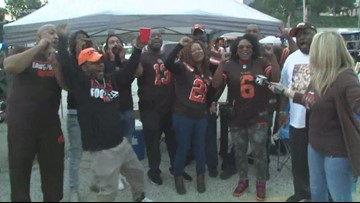 SIGHTS & SOUNDS | Cleveland Browns fans pack Muni Lot ahead of season opener