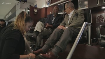 Leon Bibb reports: Shoe shine kiosk at Cleveland Hopkins Airport keeps in step with walk-in traffic