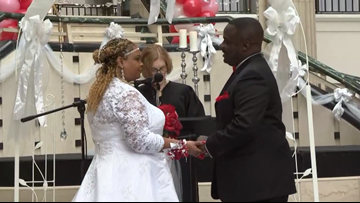 Couples tie the knot at Cleveland's Tower City