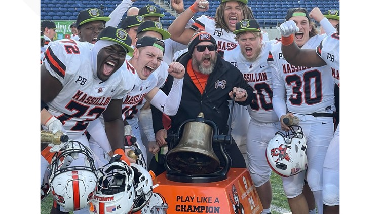 Massillon Washington pulls away from Canton McKinley 35-14 for 6th straight win in classic rivalry matchup