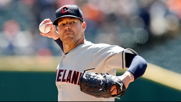 Indians' Corey Kluber has cast removed, making progress