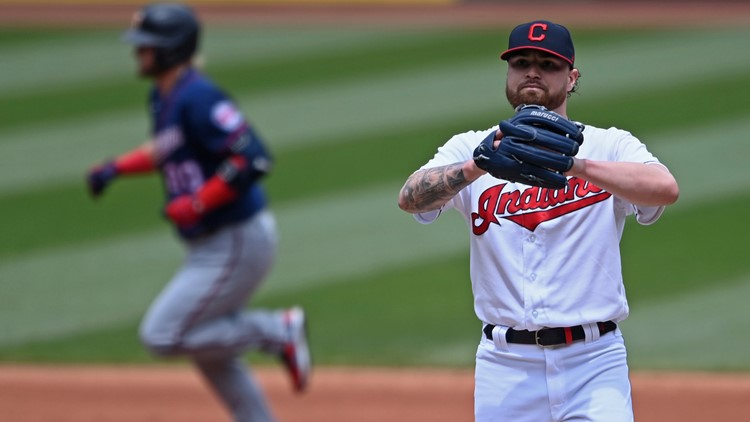 Minnesota Twins homer 6 times to blast Cleveland Indians 10-2