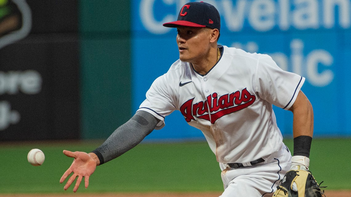 Indians INF Yu Chang shares racist messages he received after game-losing error