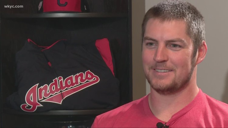 Cleveland Indians pitcher Trevor Bauer weighs in on Mike Clevinger's 'tangled mess' of hair: Beyond the Dugout
