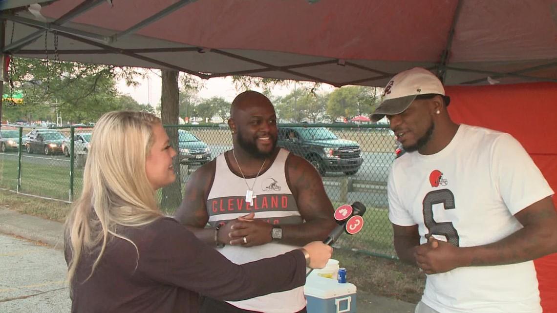 Browns fans pack Muni lot for home opener against Houston Texans