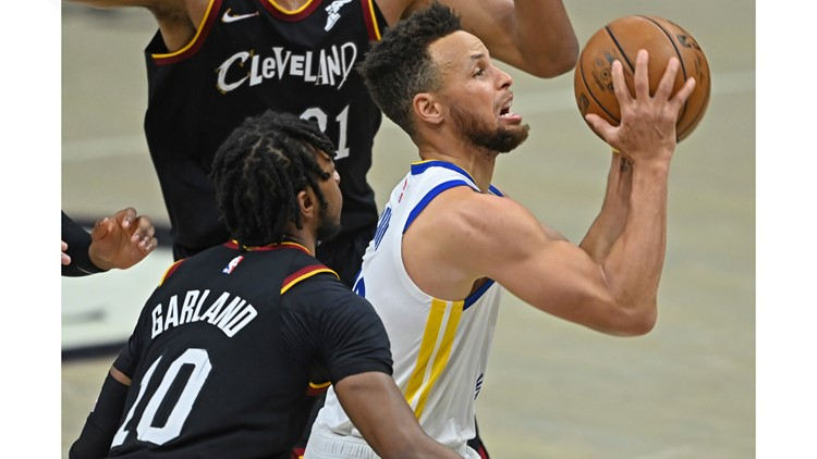 Stephen Curry scores 33, Golden State Warriors roll to 119-101 win over Cleveland Cavaliers