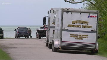 Search suspended for missing boaters in Lake Erie
