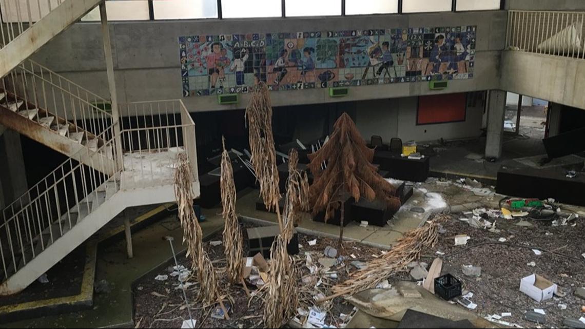 PHOTOS | Inside abandoned Buckeye-Woodland Elementary School in