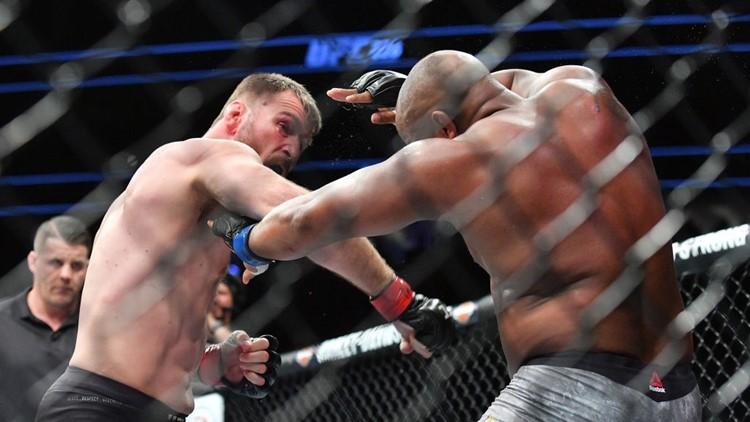 Stipe Miocic, Daniel Cormier fight for UFC heavyweight title