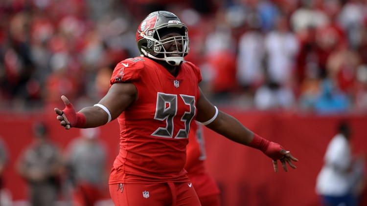 Cleveland Browns meet with Gerald McCoy, talks continue