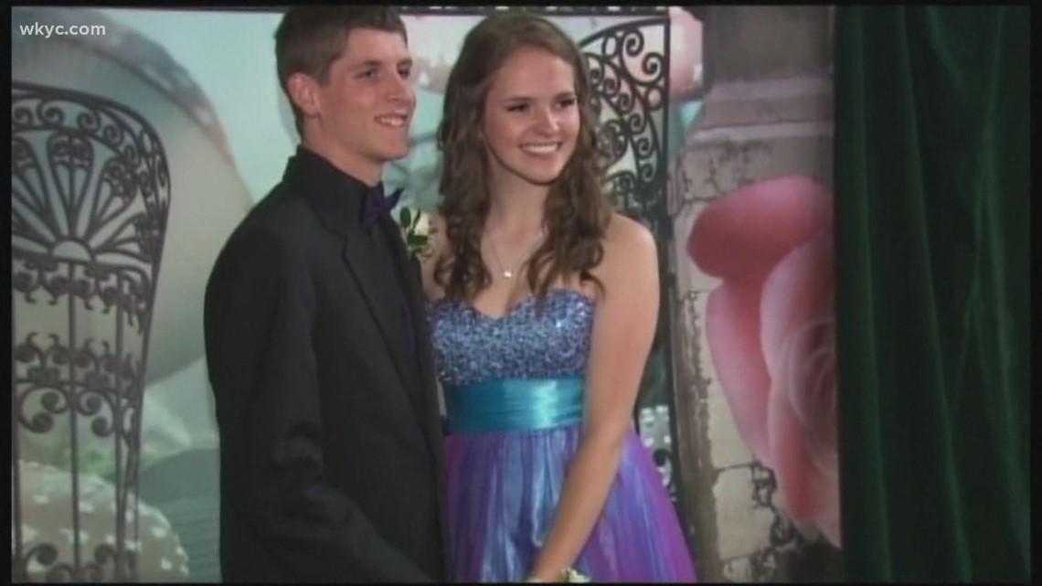 Schools explore holding 2021 proms and graduations