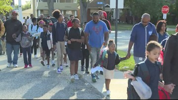 Hundreds of dads participate in Cuyahoga County's annual Father's Walk