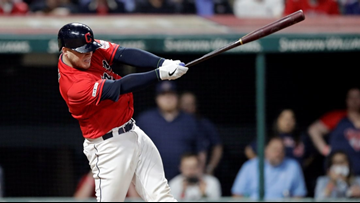 Cleveland Indians scratch out 2 late runs, snap 4-game losing streak