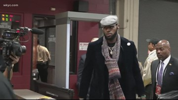LeBron James returns to Cleveland as his Lakers meet Cavaliers