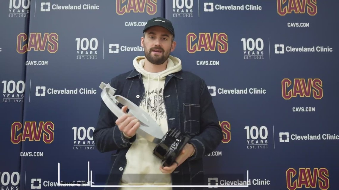 Cavs' Kevin Love receives Humanitarian of the Year Award at Greater Cleveland Sports Awards