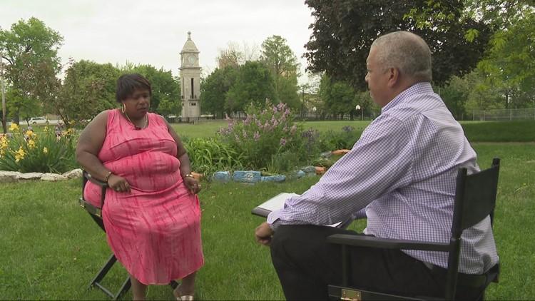 'It's very hard': Mother of Tamir Rice talks to 3News' Russ Mitchell