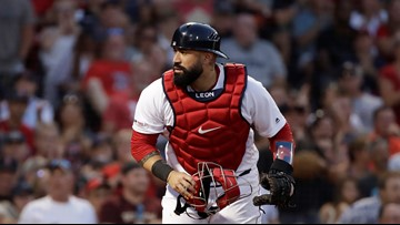 Cleveland Indians acquire veteran catcher Sandy León from Boston Red Sox