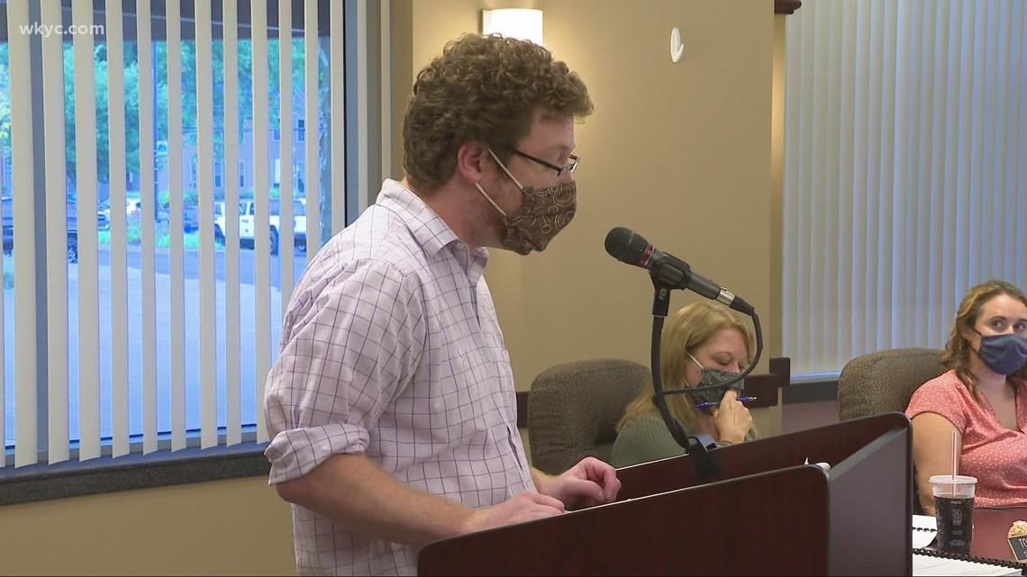 Cuyahoga Falls parents, student discuss district's mask mandate exstenion.