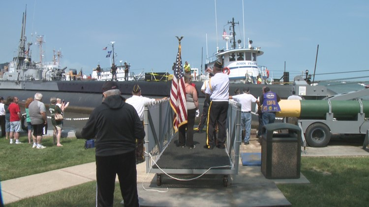 USS Cod collides with USCGC Morro Bay while departing Cleveland for repairs in Pennsylvania