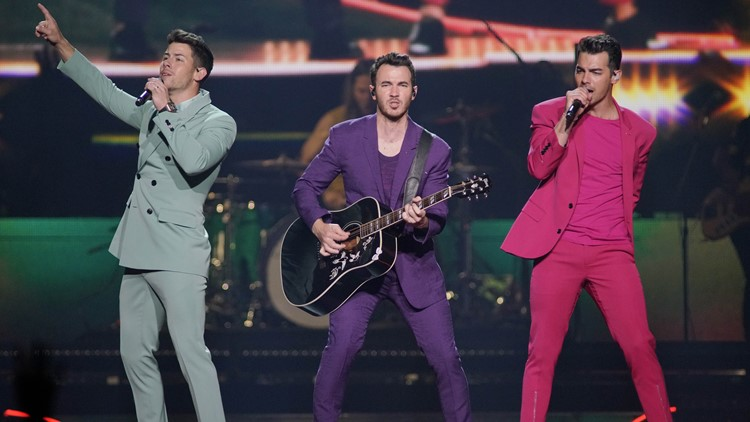 Jonas Brothers reportedly recording 'Macy's 4th of July Fireworks Spectacular' in Cleveland this weekend