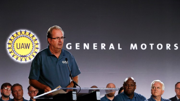 United Auto Workers to let General Motors contract lapse, raising likelihood of strike
