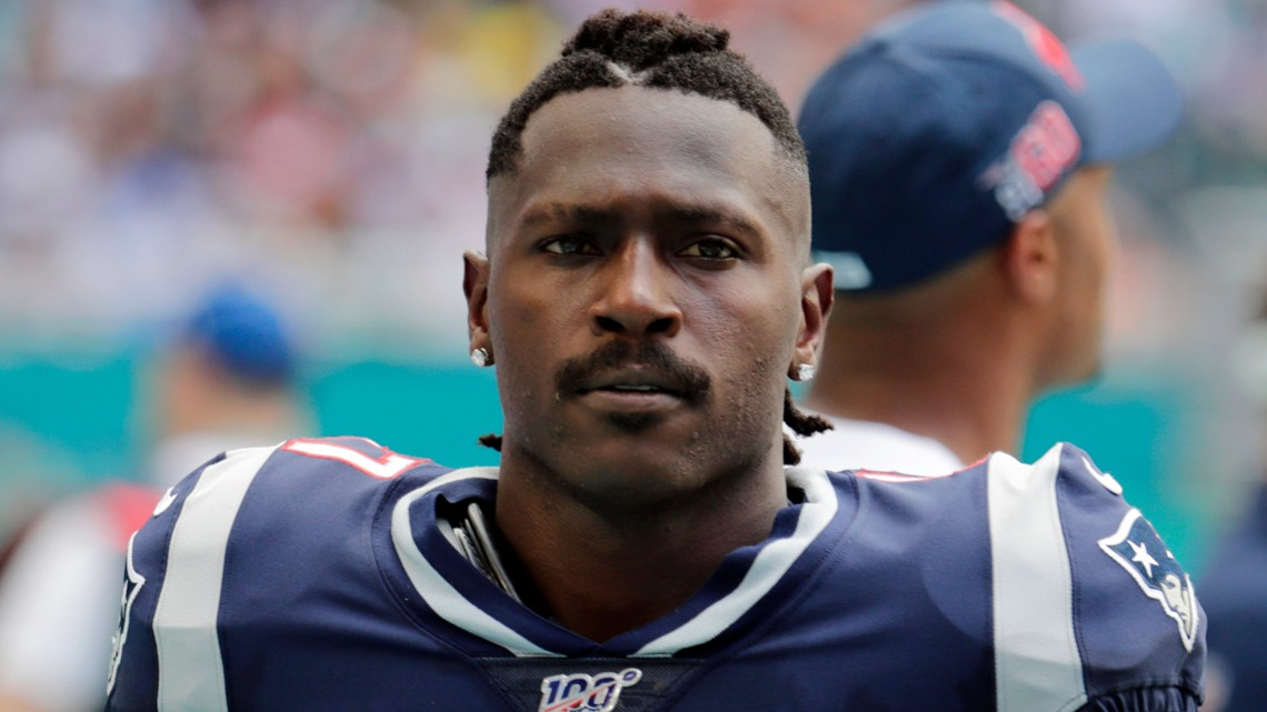 Report: Antonio Brown turns himself in to police