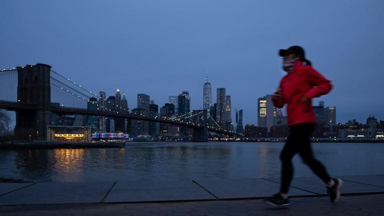 VERIFY: Should you wear masks when exercising outside?