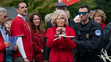 For the first time in a month, Jane Fonda avoids arrest while protesting for climate change