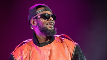 Officials in Chicago 'in contact' with families of alleged R. Kelly victims, calls allegations 'deeply disturbing'
