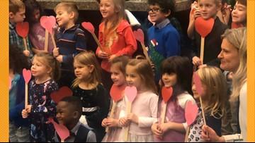 Boy invites entire kindergarten class to his adoption hearing
